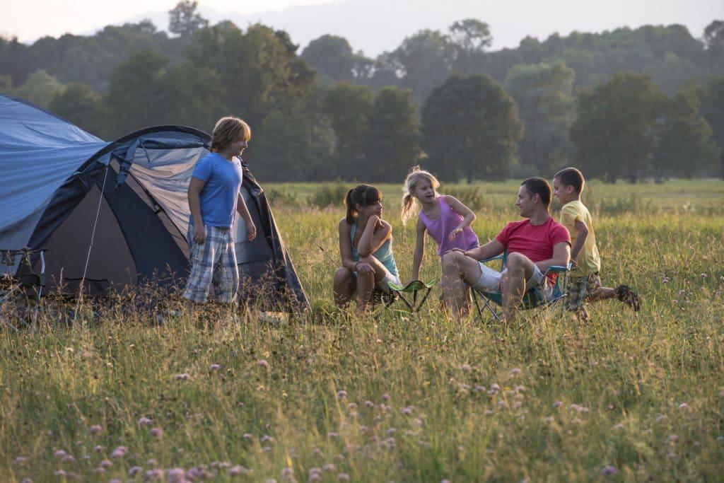 familia e ir de camping