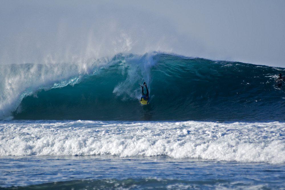 El Quemao, de las mejores olas para surf en España