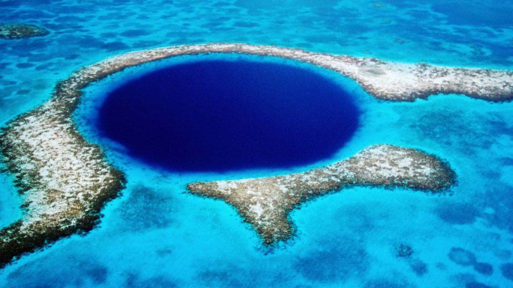 La Unesco declara El agujero azul como patrimonio de la humanidad