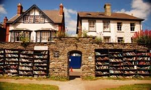 Hay-on-wye, la ciudad-biblioteca soñada por cualquier amante de los libros
