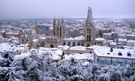 Disfruta en estos destinos para viajar en vacaciones de navidad nevadas