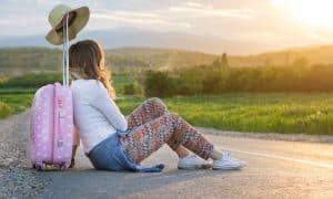 ¿Viajar sola y segura siendo mujer? Con estos 10 consejos es posible