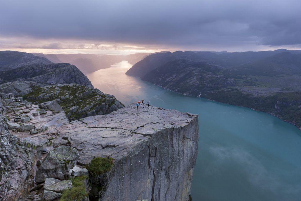 Pultpito de fiordos noruegos