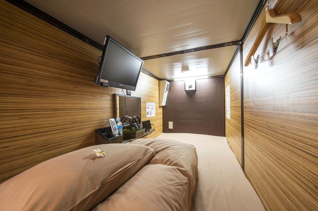 Habitacion de hotel capsula