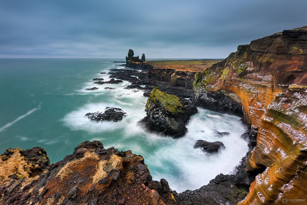 Londrangar, acantilados costeros de Europa (Islandia)