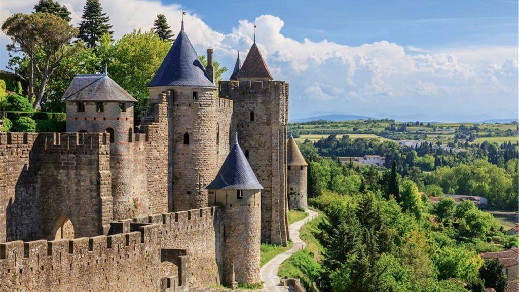 visita las murallas de occitana en francia