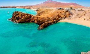 Destinos para este verano: Lanzarote, una Isla con diferentes planes