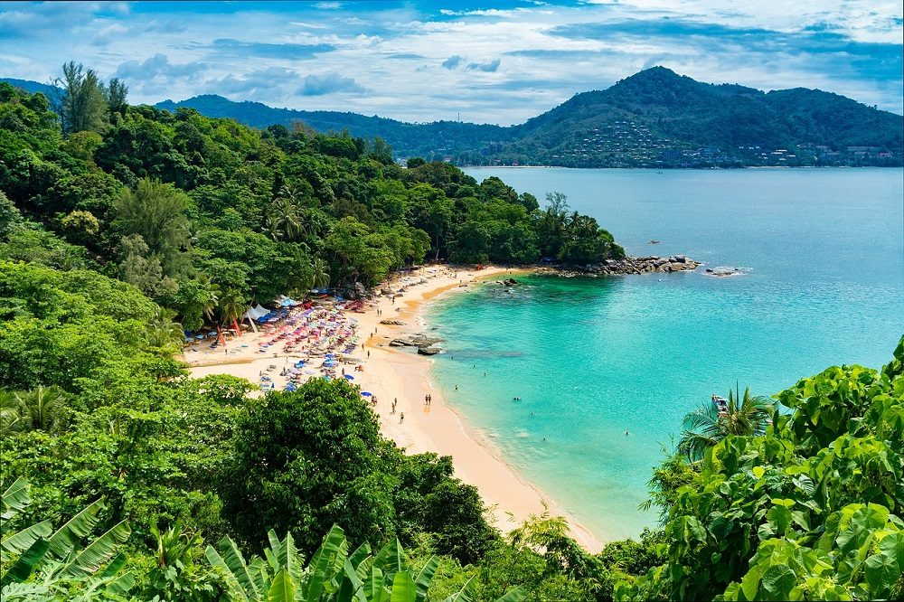 Phuket, en Tailandia, tiene playa y fiesta
