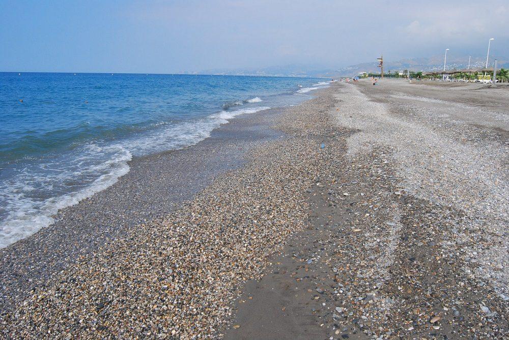 No se puede fumar en la playa Granada, en Motril