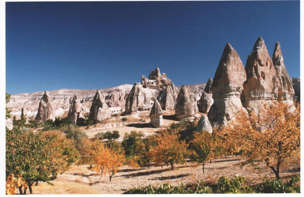 Paisajes y lugares para viajar a la luna - Parque Nacional Göremeen Capadocia