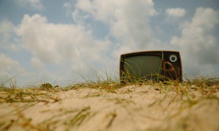 Series y películas que marcaron nuestros veranos
