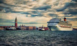 Lugares del mundo en peligro por el turismo de masas