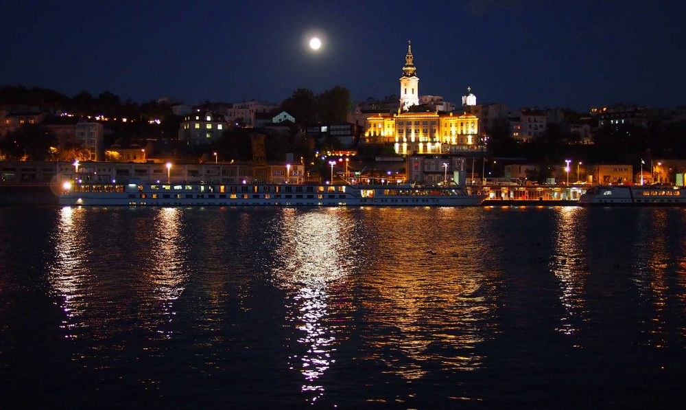 Belgrado noche Serbia