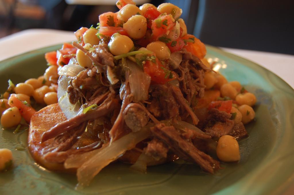 Ropa vieja, plato típico de la gastronomía de Canarias