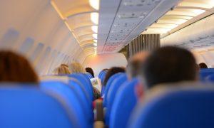 Cómo sobrevivir al síndrome de la clase turista durante tus viajes