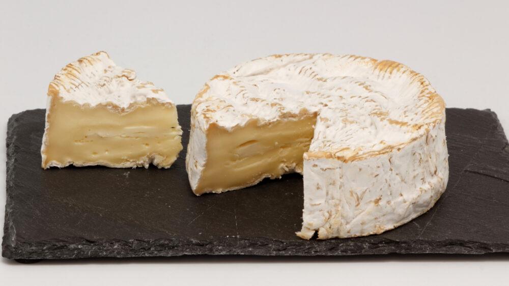El queso de camembert es uno de los caracteristicos de Normandía