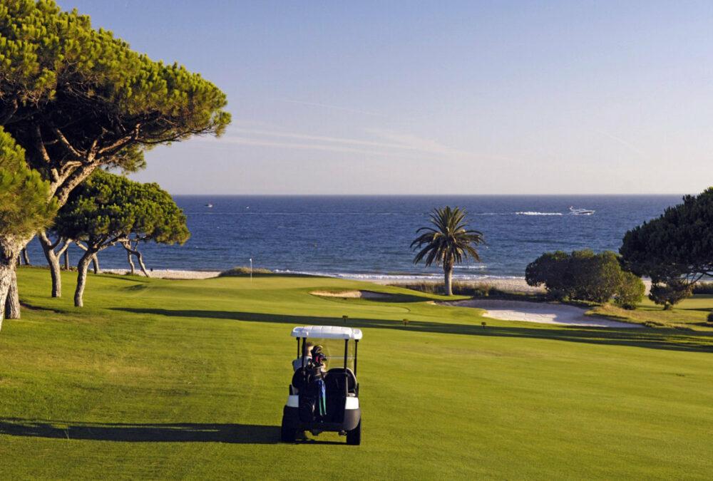 Jugar al golf en el Algarve