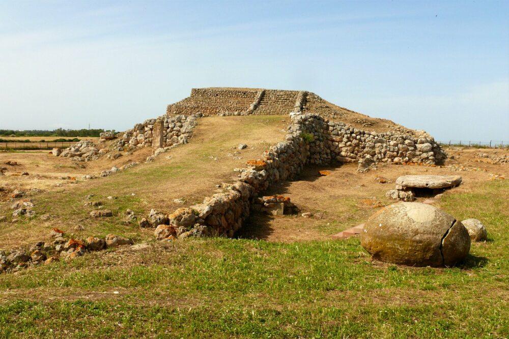 Monte D'Accoddi en Cerdeña