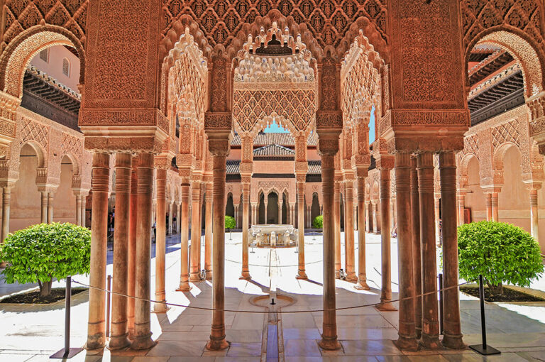 Los monumentos más antiguos de España