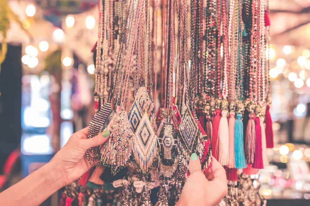Regatear  en el bazar es una de las costumbres de otros países que podrás odiar