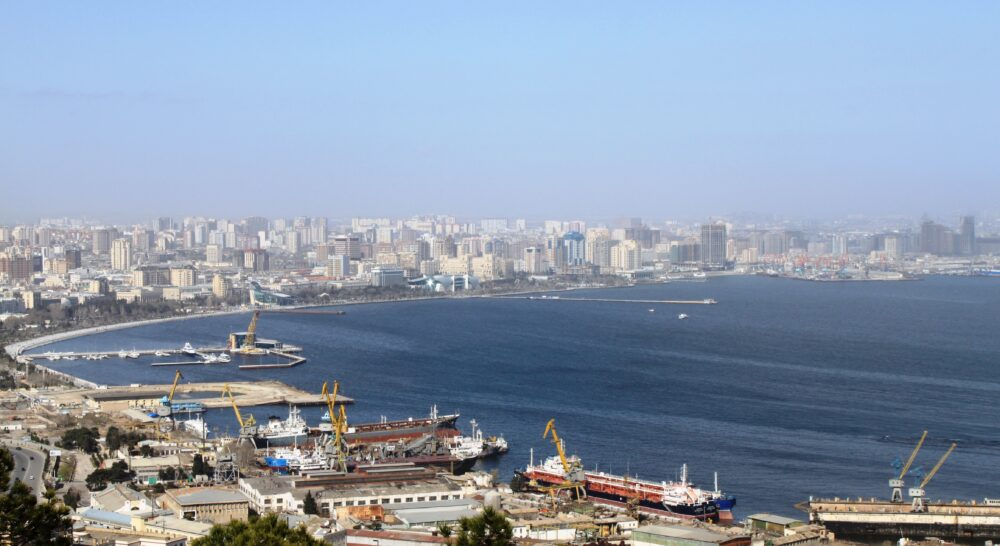 Panorámica de la bahía de Bakú