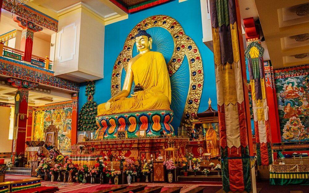 Buda dorado en el templod e Kalmukia