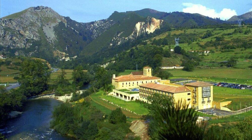 Pueblos y paisajes en Picos de Europa